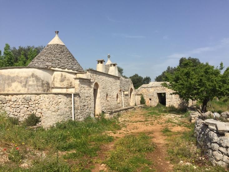 Ristrutturazione trulli in puglia recupero di antichi casali